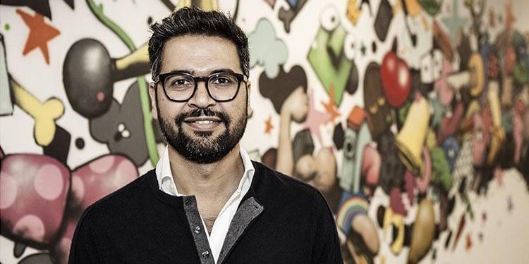 WhatsApp new CEO tech urdu